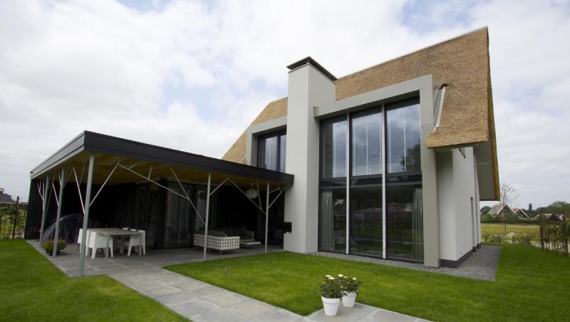 Villa in almere - Veranda modern huis ...