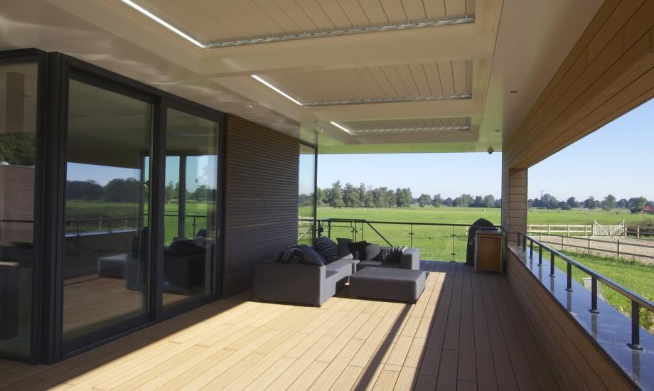 Modern landgoed - Veranda met dakpan ...